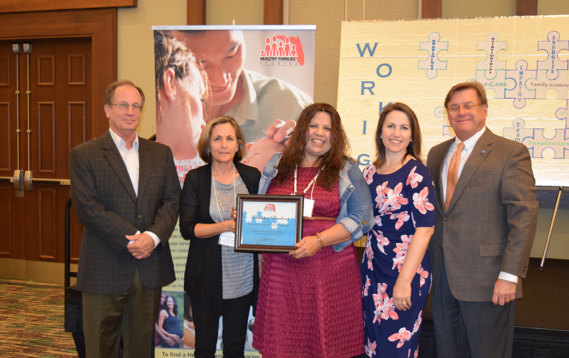 HF DeSoto-Hardee Staff Receive Award